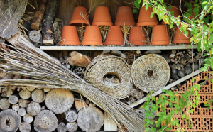 A fun and funky critter hotel can support wildlife in the winter months.